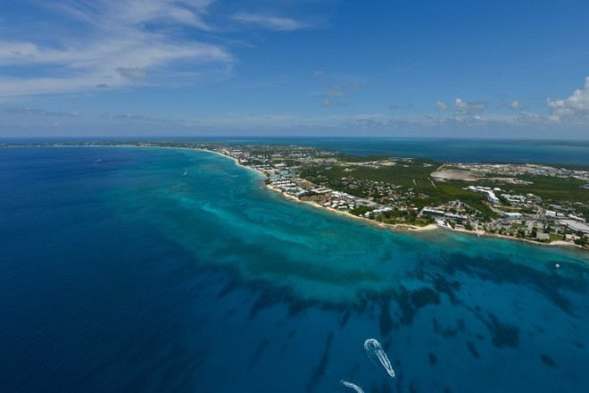 Infographic: House hunting in Cayman? A Guide for Expat Buyers