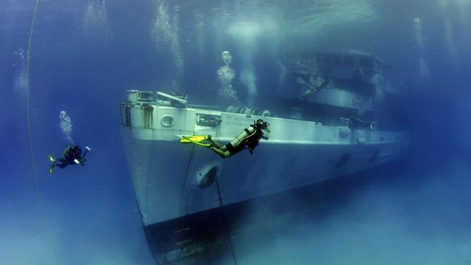 diving cayman