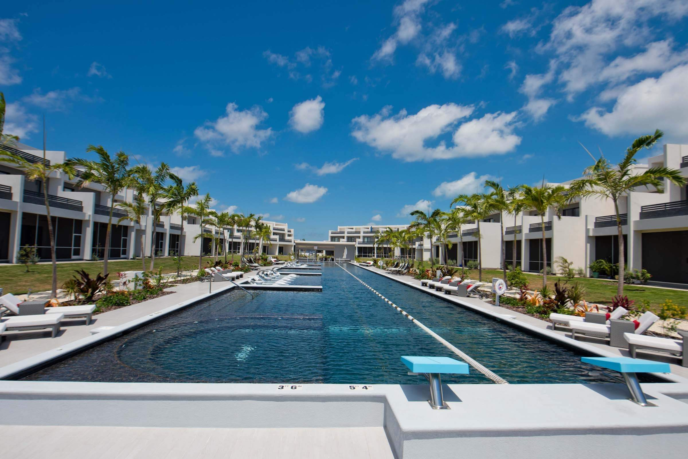 About the Cayman Islands Image 3 - Milestone Properties